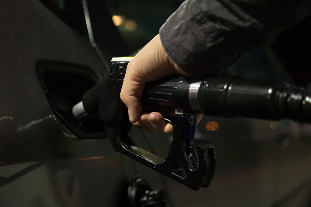 5 Tips for Saving Money at the Pump